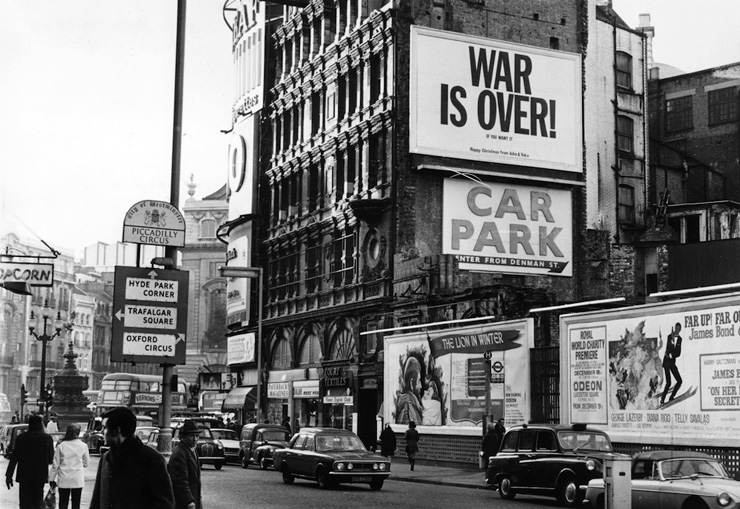 On Her Majesty's Secret Service poster Shaftesbury Avenue 1969