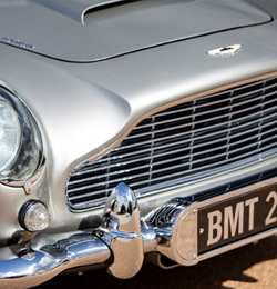 1965 Aston Martin DB5 up for auction in California